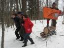ГАРМОШКА везёт дрова из леса.