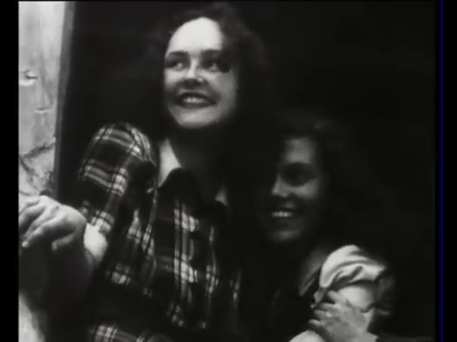 Хор Александрова в центре Берлина, 1948 г. Немцы в восторге слушают! Уникальное вид...