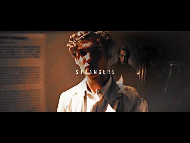 Albus Dumbledore Gellert Grindelwald | Strangers
