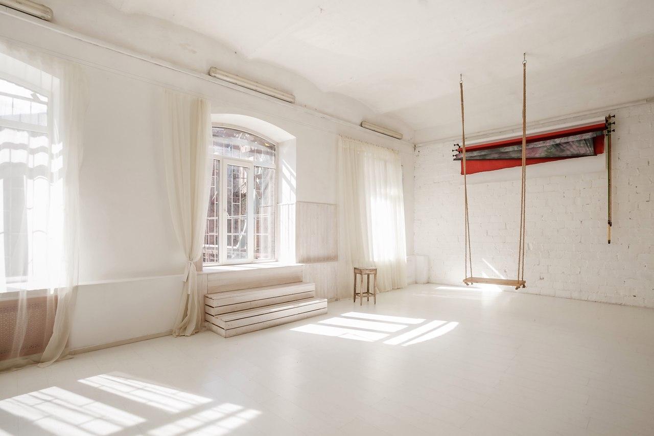 Фотостудии москвы со светом и столом как мало