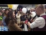 Победительница розыгрыша iPhone в гипермаркете