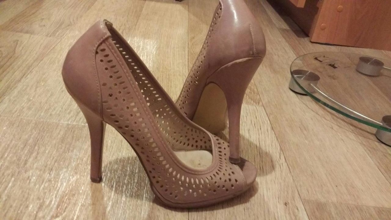 Продам туфли 37 размер на узкую ногу или на 36 тоже подойдет, 300 рублей