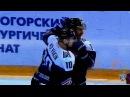 Сергей Мозякин забирает призы лучшему снайперу и бомбардиру