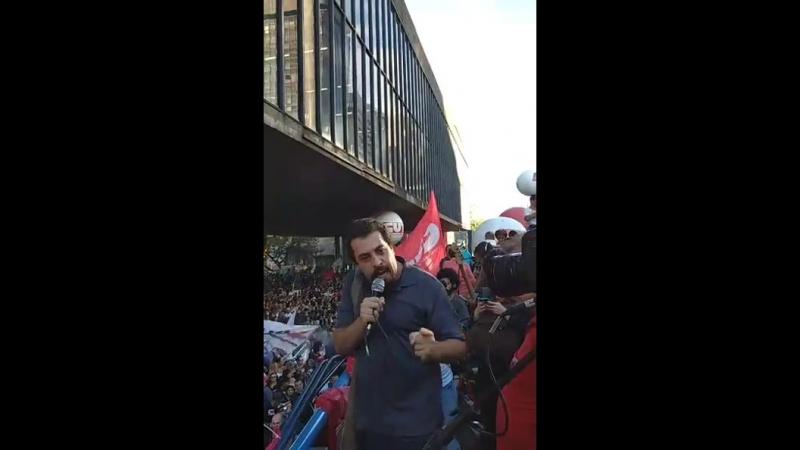 Líder do MTST Guilherme Boulos convoca trabalhadores para invadir o congresso e barrar os ataques da direita