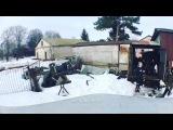Семён Фролов на съёмках клипа убирает снег