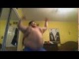 Жирный мужик танцует D на (Рингтон) TWRK - Helicopter