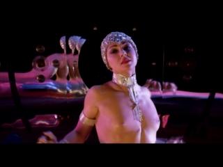 Эпизод из фильма Огонь Кристиана Лубутена (Feu: Crazy Horse Paris) эротическое шоу 18+
