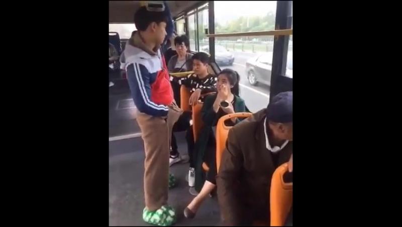 В автобусе лапают девушку онлайн мысль