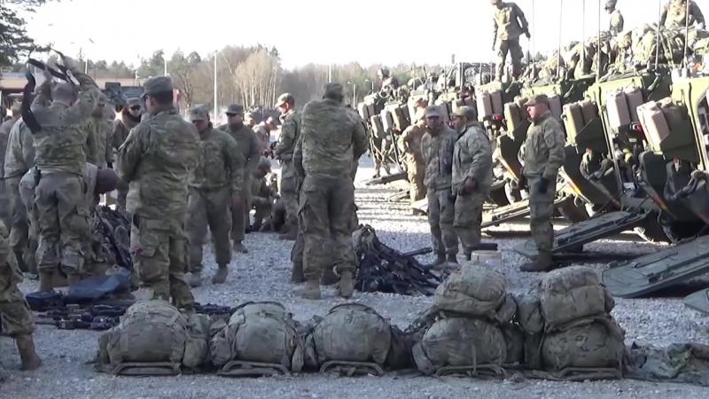 U.S. Soldiers arrived in Orzysz Poland. 1 апреля 2017 войска США прибыли в город Orzysz в Польше. Путин в окружении.