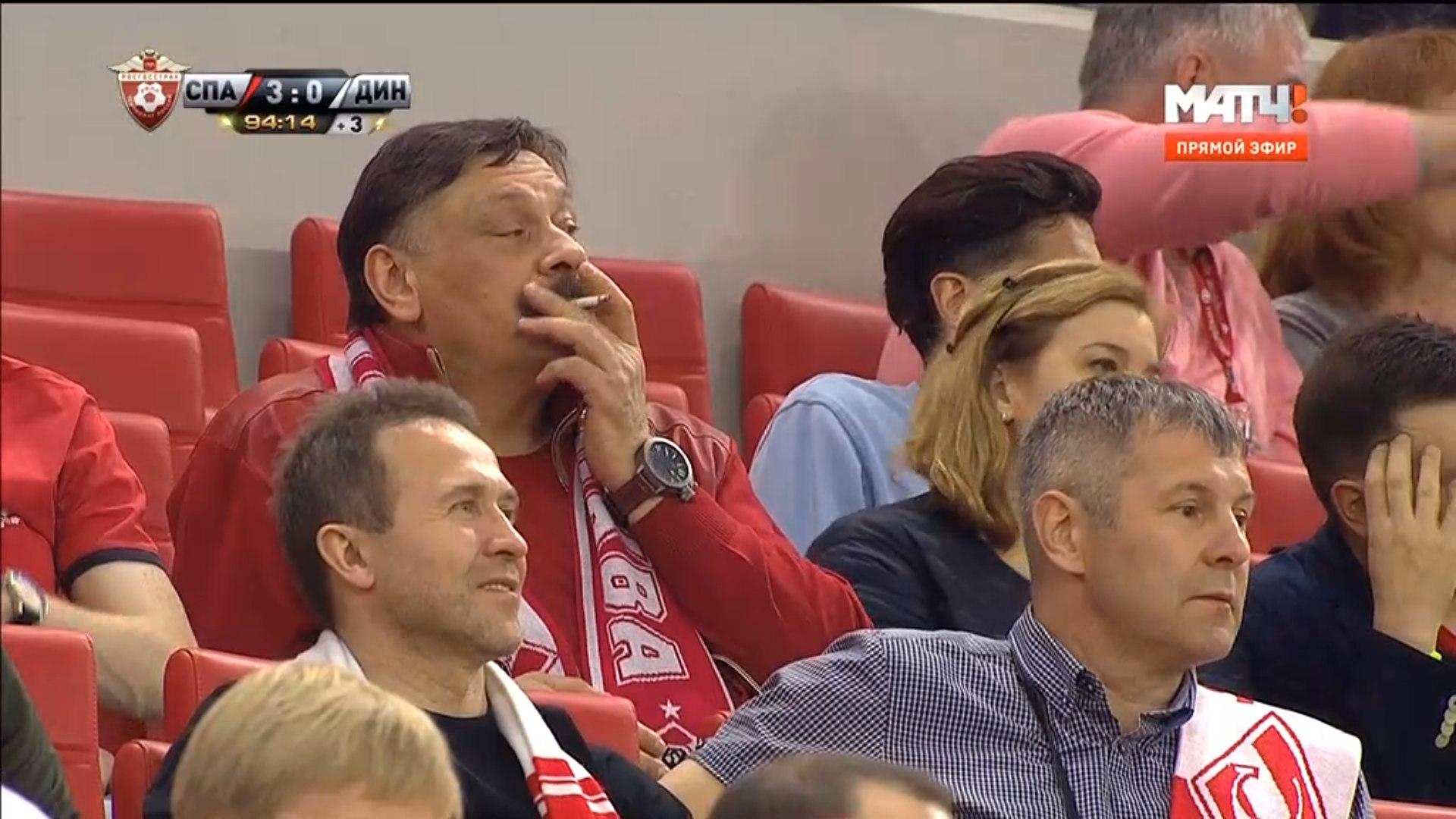 дмитрий назаров актер кухня болельщик спартака курит на стадионе