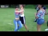 До крови и голых сисек Жестокий бой девушек /  Before the blood and boobs Brutal fight girls