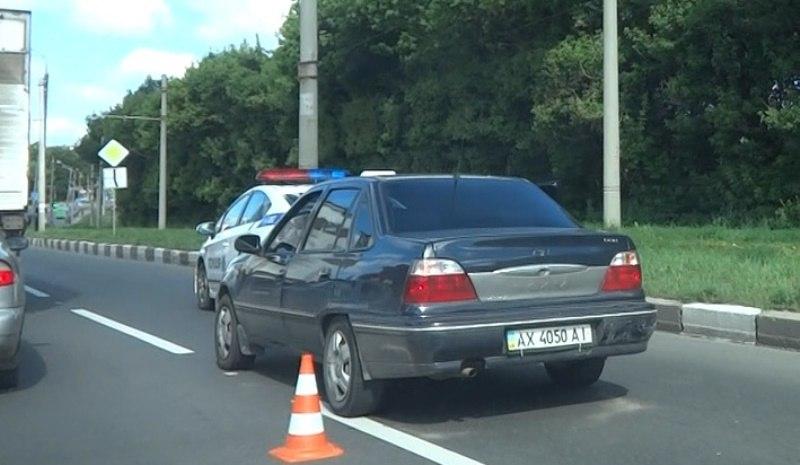 Фартовый таксист устроил пробку на Салтовке (ФОТО, ВИДЕО)