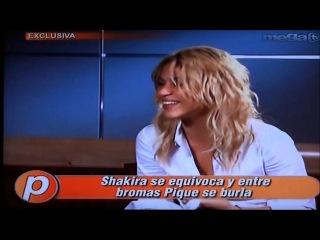 Shakira se equivoca y pique entre bromas se burla
