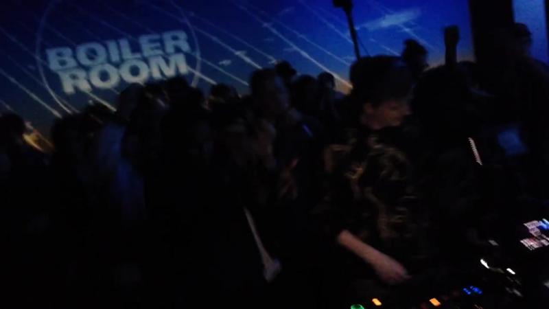 DJEMBA DJEMBA - BOILER GLOVE SET @ BOILER ROOM LA x TAR - 1.20.2014