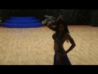 Восточный танец великолепно танцует украинская девушка. Конкурс BELLY DANCE 8534