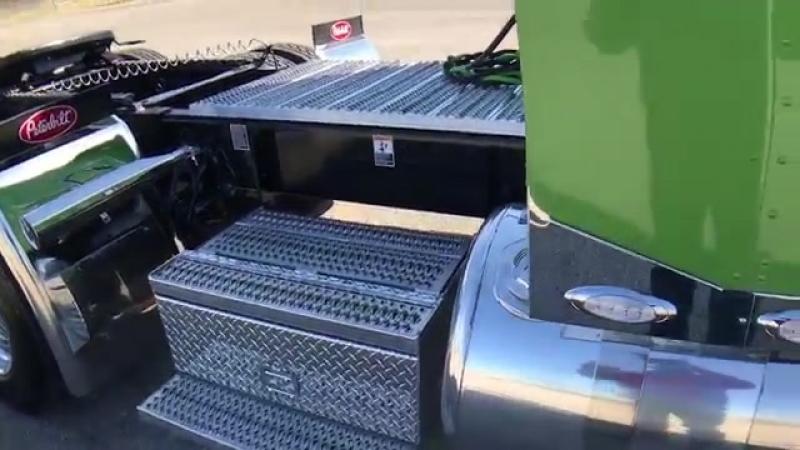 Viper Green Metallic 2018 389 Peterbilt Cummins X15 565hp 2050 torque Platinum I