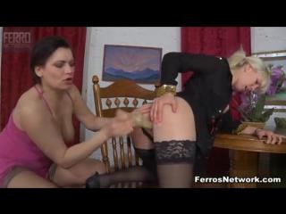 Зрелая страпонит в анал молодую порно лесби фото 464-926