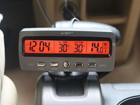 Админ помоги Нужен прибор показывающий время и температуру за бортом Но работающий от бортовой сети 12 вольт А не от бат