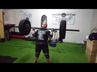 Axle 138 kg for 3 reps. Nikita Golovan