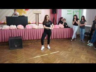 Выступление победительницы Фестиваля песни и танца «Креатив» Чвырёвой Алёны, 7