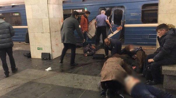 Секретарь губернатора Санкт-Петербурга: Вметро Петербурга отвзрыва пострадали около 50 человек