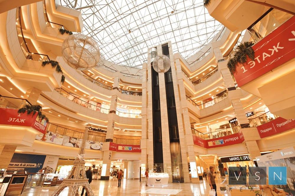 В 30% крупных городов России остановилось строительство торговых центров