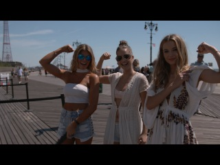 SI Swimsuit Models Compete In A Strongman Competition   Sports Illustrated Swimsuit