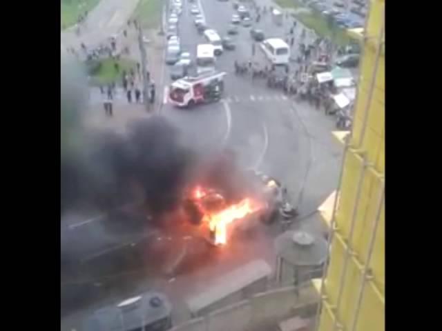 Видео с места взрыва маршрутки в Санкт-Петербурге, ст.м. Рыбацкое