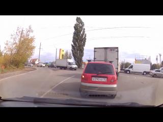ДТП на ровном месте в Брянске.