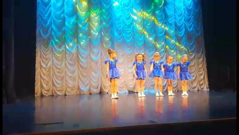 Наше первое выступление на сцене отчетный концерт 20 мая 2017 г
