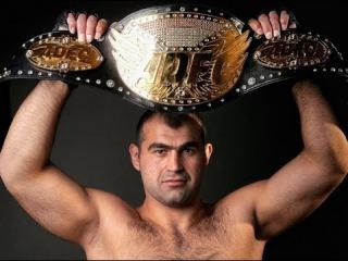 UFC Fight Night 102 : Шамиль Абдурахимов - Деррик Льюис, где посмотреть бой?