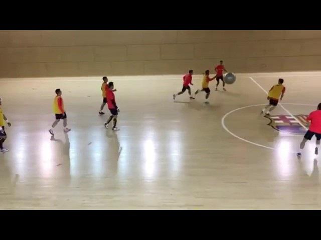 Упражнение на тренировке Барселоны (futsal, futbol sala)