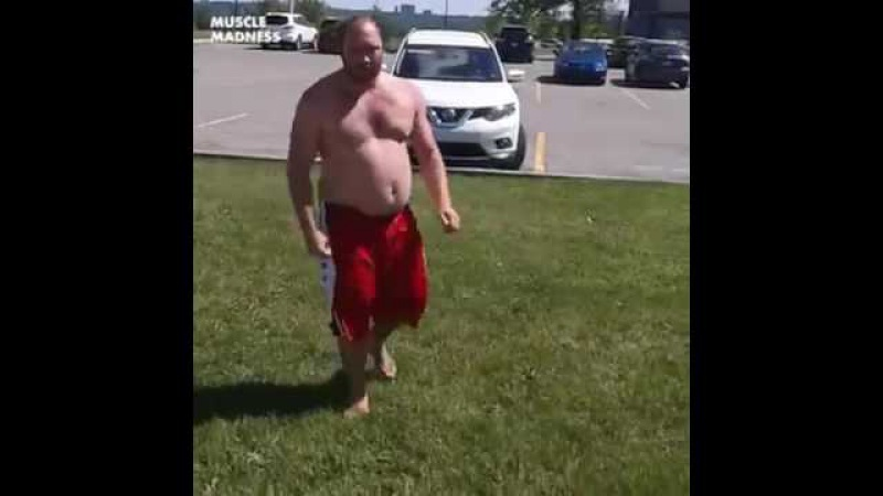 Fat Guy does Parkour WIN