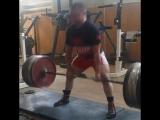 Сергей Федосиенко, тянет 240 кг на 3 повтора без использования экипировки в весовой категории до 59 кг