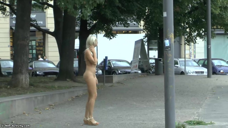 Paris Nude in Public 2