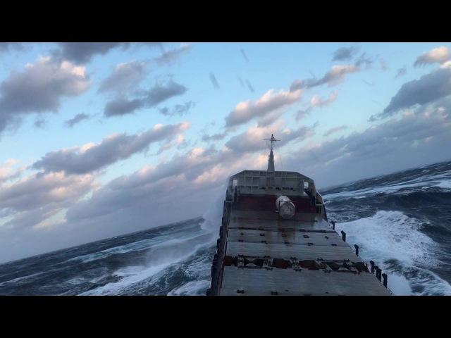 ШТОРМ 12 Баллов у парней стальные яйца родились в рубашке Tanker Ship in Extreme Storm 12 points