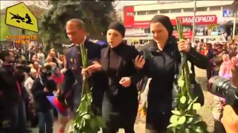 Славянск. 22 апреля, 2014. Похороны первых ополченцев с блок-поста Былбасовка.