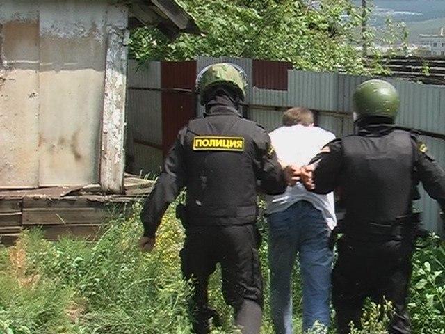 Под Таганрогом сотрудники полиции ликвидировали наркопритон