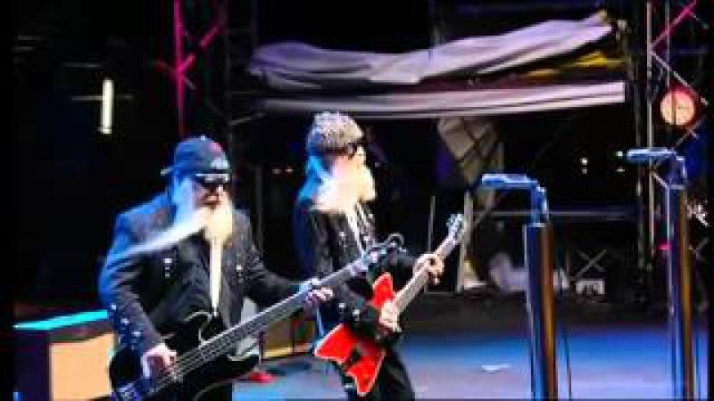 ZZ Top - La Grange - Tush [Live] Crossroads Guitar Festival 2004