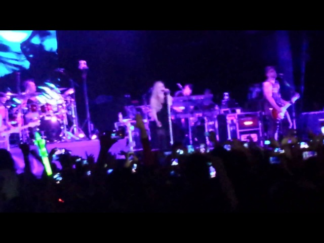 Avril Lavigne - When You're Gone (Live in Brasília, Brasil - 04.05.14)