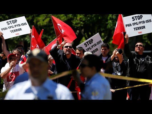 Ахова Эрдагана збіла пратэстоўцаў | Охрана Эрдогана избила активистов в Вашингтоне