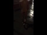 Проспоривший тюменец пробежал нагишом по набережной