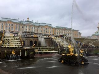 Торжественный пуск фонтанов в Петергофе под музыку. Прямая трансляция