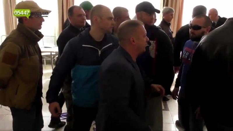 Міський голова Конотопу - свободівець Артем Семеніхін вигнав з міста сепаратисті