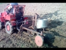 Беларусь 132H с самодельной картофеля с сажалкой