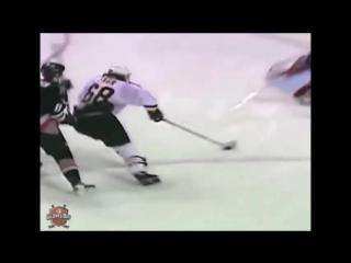 Даже если вы не большой любитель хоккея - вам это понравится. Доминик Гашек.