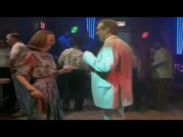 Mr Bean - Dancing at a nightclub to Vospi