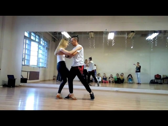 Carlos Oliveira Anastasia - Brazilian zouk demo at Ipanema Dance Studio