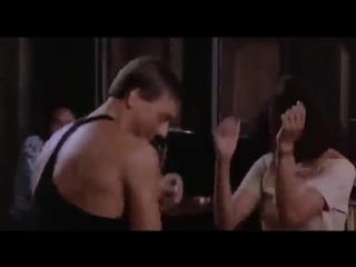 Ван Дамм танцует под minimal techno