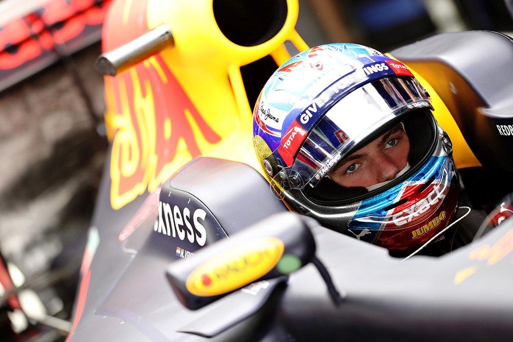 Макс Ферстаппен в составе Red Bull в Барселоне